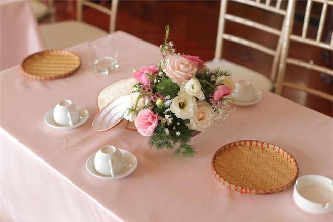 Tình yêu rượu gạo Soju không cưa cũng đổ với soái ca Hàn và hôn lễ đậm chất Việt cùng nón lá và hoa đá - Ảnh 7.