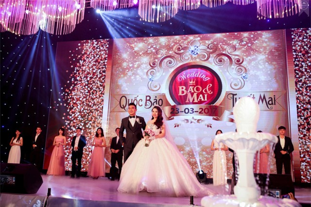 Nữ đại gia Bình Phước hóa công chúa trong đám cưới 6 tỷ đồng với bạn trai 7 năm - Ảnh 1.