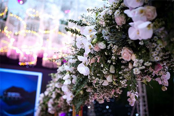 Nữ đại gia Bình Phước hóa công chúa trong đám cưới 6 tỷ đồng với bạn trai 7 năm - Ảnh 26.