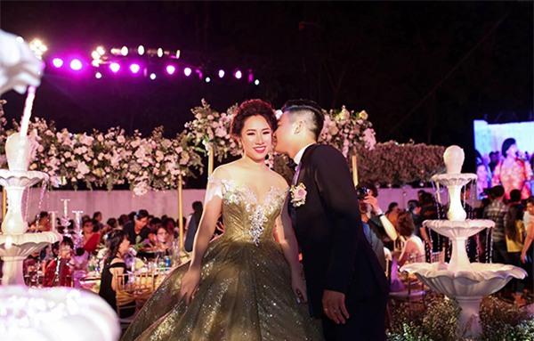Nữ đại gia Bình Phước hóa công chúa trong đám cưới 6 tỷ đồng với bạn trai 7 năm - Ảnh 27.