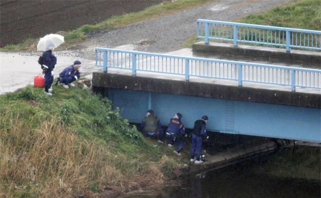 Xuất hiện chiếc ô tô nghi theo dõi bé gái người Việt vừa mất tích và tử vong tại Nhật Bản - Ảnh 2.