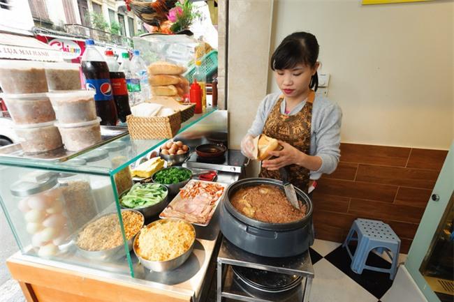 7 quán bánh mì bình dân mà ngon tê lưỡi của Hà Nội - Ảnh 10.