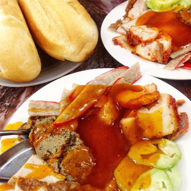 7 quán bánh mì bình dân mà ngon tê lưỡi của Hà Nội - Ảnh 2.