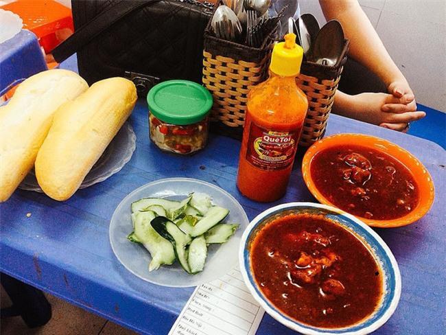 7 quán bánh mì bình dân mà ngon tê lưỡi của Hà Nội - Ảnh 27.