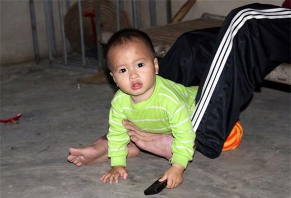 Rơi nước mắt hoàn cảnh chàng trai bị tai nạn mất tay, vợ bỏ đi, một mình chăm con thơ khát sữa - Ảnh 5.
