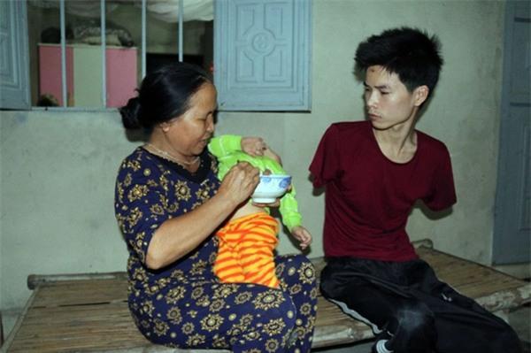 Rơi nước mắt hoàn cảnh chàng trai bị tai nạn mất tay, vợ bỏ đi, một mình chăm con thơ khát sữa - Ảnh 6.