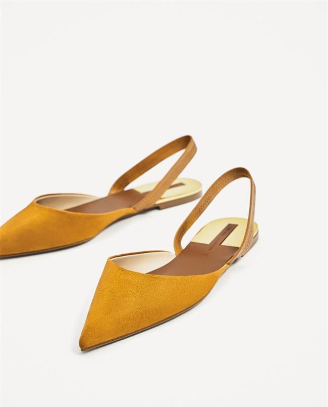 Đây mới thực sự là mẫu giày nàng công sở cần lưu tâm nhất trong hè này - Ảnh 1.