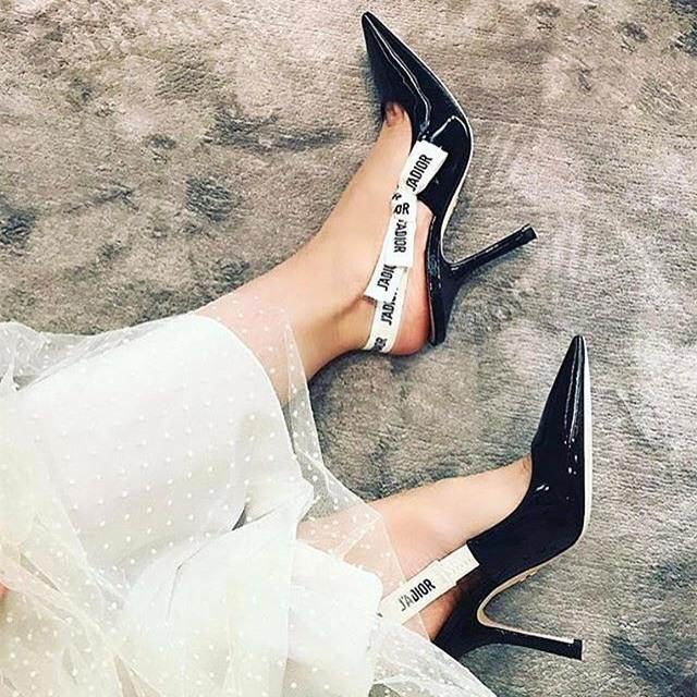 Đây mới thực sự là mẫu giày nàng công sở cần lưu tâm nhất trong hè này - Ảnh 14.