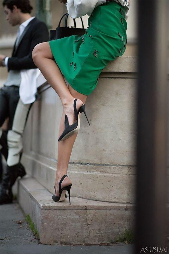 Đây mới thực sự là mẫu giày nàng công sở cần lưu tâm nhất trong hè này - Ảnh 4.