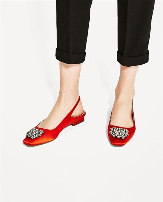 Đây mới thực sự là mẫu giày nàng công sở cần lưu tâm nhất trong hè này - Ảnh 9.