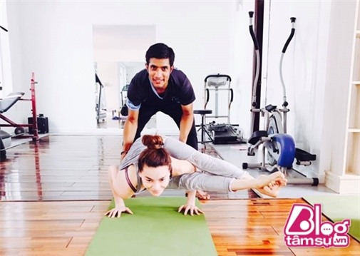 ho-ngoc-ha-tap-yoga-blogtamsuvn004