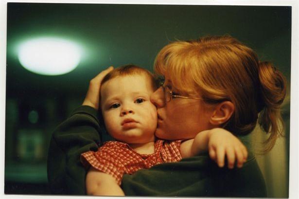 Nể phục cách người mẹ nuôi dạy cậu con trai tự kỷ trở thành thần đồng vật lý - Ảnh 1.