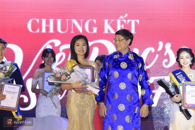 Nhan sắc xinh đẹp của nữ sinh 17 tuổi vừa đăng quang Ngôi sao Việt Đức - Ảnh 1.