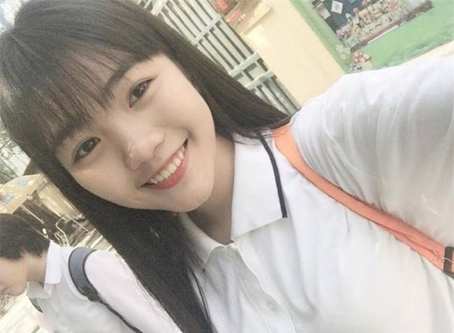 Nhan sắc xinh đẹp của nữ sinh 17 tuổi vừa đăng quang Ngôi sao Việt Đức - Ảnh 2.