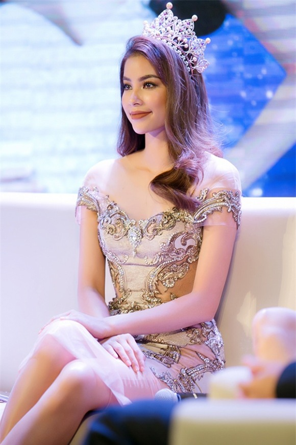 Phạm Hương, Hoa hậu Phạm Hương, Hoa hậu Hoàn Vũ Phạm Hương, Phạm Hương 2017, sao việt