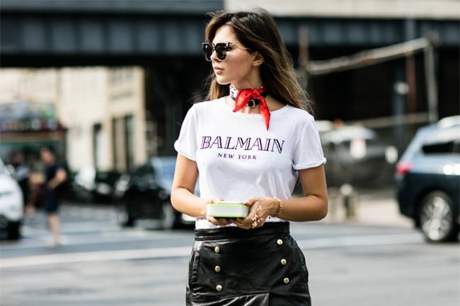 Chưa cần phải chất, mặc áo phông cứ kết hợp đơn giản thế này là đẹp - Ảnh 12.