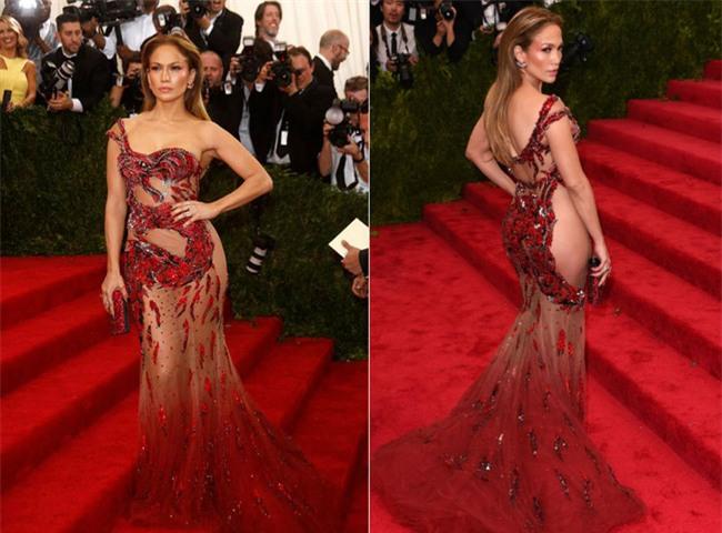 4 người đẹp Hollywood là fan cuồng của những thiết kế đầm xuyên thấu gợi cảm đến tột cùng - Ảnh 4.