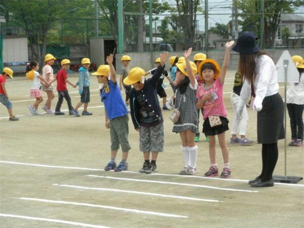 Mẹ Việt ở Nhật: Tôi sẽ vẫn để con đi bộ đi học - Ảnh 2.