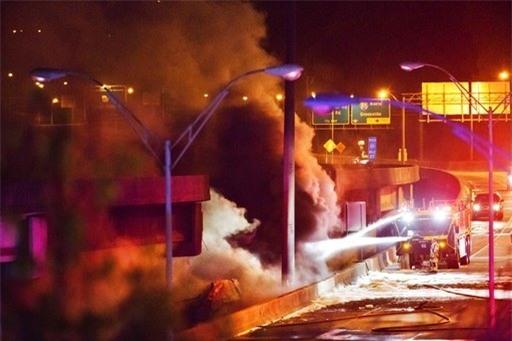 Thống đốc bang Georgia Nathan Deal cho biết không có thương vong sau vụ cháy và sập trên và sẽ phải mất một thời gian để sửa chữa đoạn đường này trước khi thông tuyến trở lại.