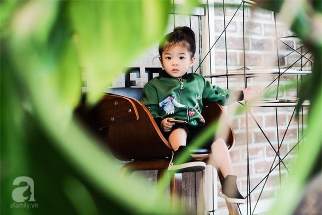 Bé Ella: cô nhóc 2 tuổi với phong cách đẹp miễn bàn nhờ diện đồ mẹ tự thiết kế - Ảnh 14.