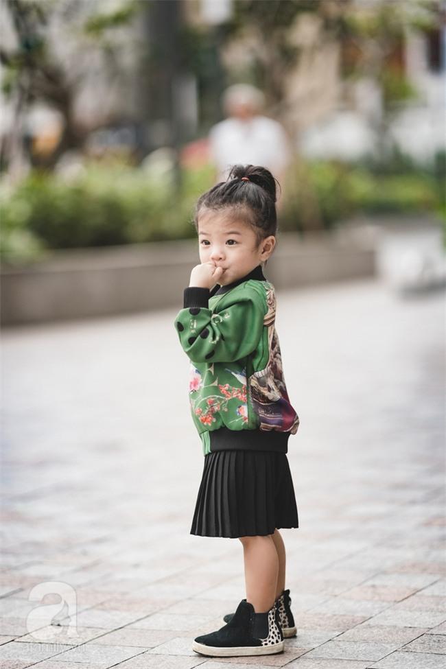 Bé Ella: cô nhóc 2 tuổi với phong cách đẹp miễn bàn nhờ diện đồ mẹ tự thiết kế - Ảnh 16.