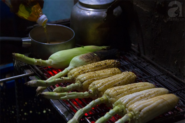 Chẳng cần thịt thà, 6 món ăn vặt này vẫn ghi điểm tuyệt đối trong lòng người Sài Gòn - Ảnh 1.