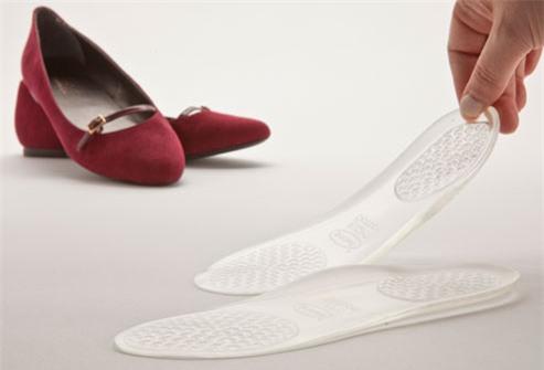 Giày dép là đam mê của phái đẹp, nhưng những kiểu giày nguy hiểm này thì nên tránh chị em ạ - Ảnh 3.