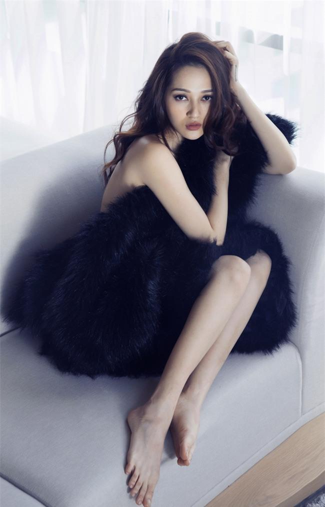 Bảo Anh khoe vai trần với váy ngủ nóng bỏng - Ảnh 8.