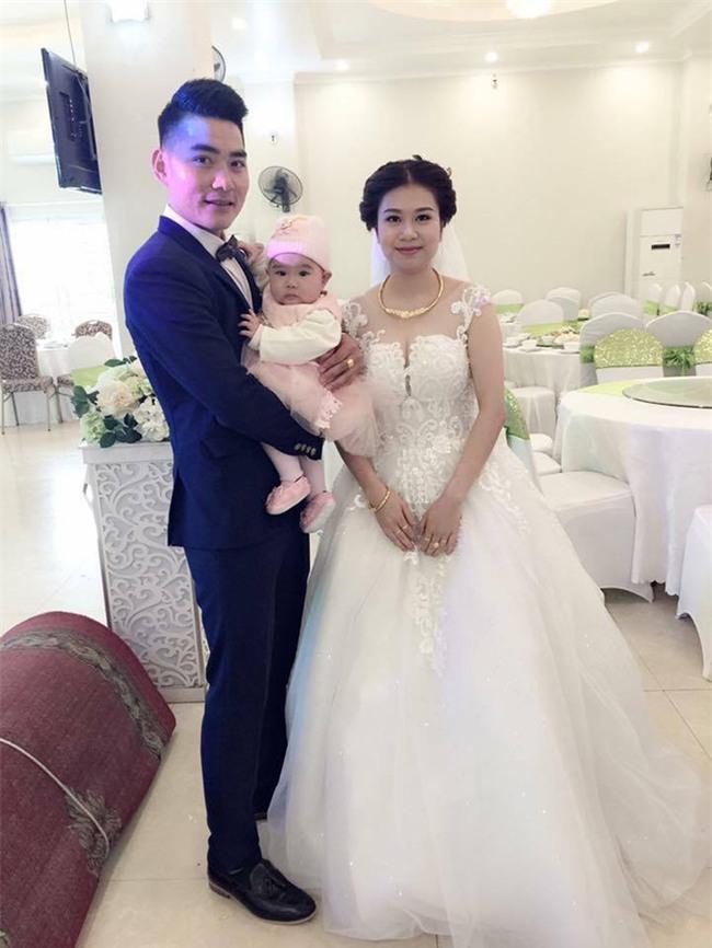 Câu chuyện phía sau bức ảnh cô dâu cho con bú trong ngày cưới - Ảnh 3.