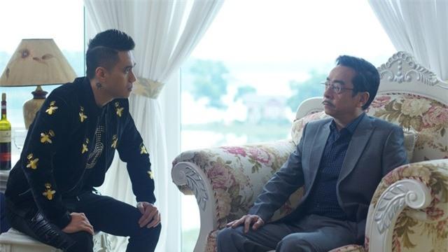 'Nguoi phan xu': Tu bo gia Nam Cam den ong trum Phan Quan hinh anh 2