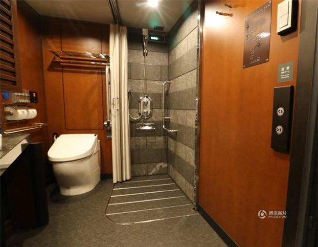 Khung cảnh xa hoa bên trong khách sạn 5 sao di động trên đường ray Nhật Bản - Ảnh 10.