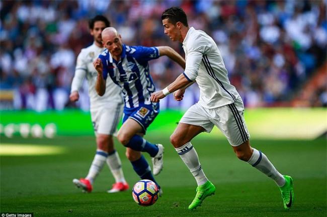 Ronaldo kiến tạo, Real Madrid giành chiến thắng 3 sao để xây chắc ngôi đầu - Ảnh 7.