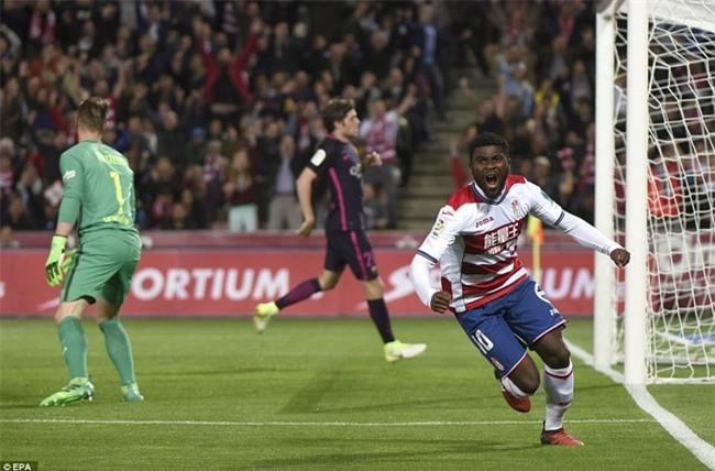 Neymar ghi bàn thứ 100 cho Barca trong ngày vắng Messi - Ảnh 6.