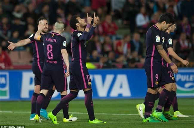 Neymar ghi bàn thứ 100 cho Barca trong ngày vắng Messi - Ảnh 11.