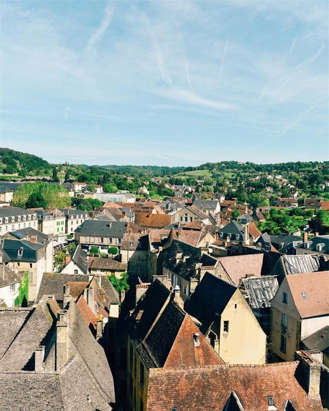 10 ngôi làng đẹp như thiên đường dưới hạ giới của nước Pháp - Ảnh 14.