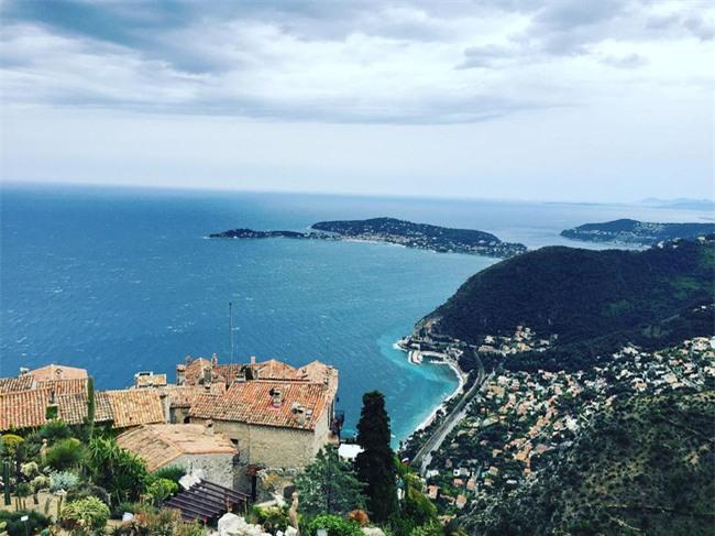 10 ngôi làng đẹp như thiên đường dưới hạ giới của nước Pháp - Ảnh 22.