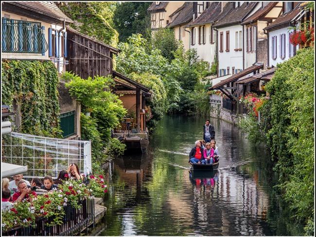 10 ngôi làng đẹp như thiên đường dưới hạ giới của nước Pháp - Ảnh 4.