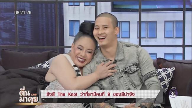 """Nữ đại gia Thái Lan đòi """"yêu"""" 28 lần/ngày liên tục đi tìm chồng mới, và lý do là đây... - Ảnh 1."""