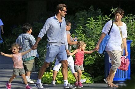 """Huyền thoại Roger Federer: Và """"Tàu tốc hành"""" vẫn tiếp tục lăn bánh ảnh 3"""