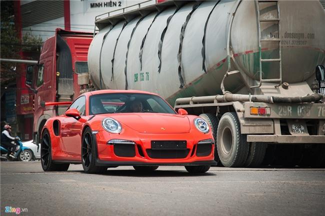 Sieu xe Porsche 911 GT3 RS doc nhat Viet Nam xuong pho hinh anh 2