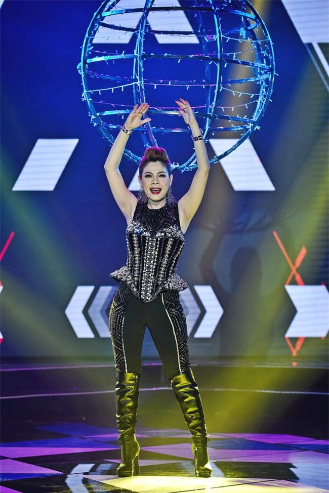 Ngọc Trinh diện tất lưới kém duyên dẫn đầu top sao mặc xấu tháng 3 - Ảnh 14.