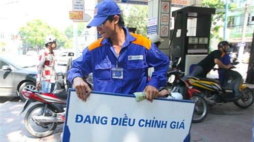 giá xăng, giá xăng dầu, giảm giá xăng, tăng giá xăng, điều chỉnh giá xăng, thuế xăng dầu