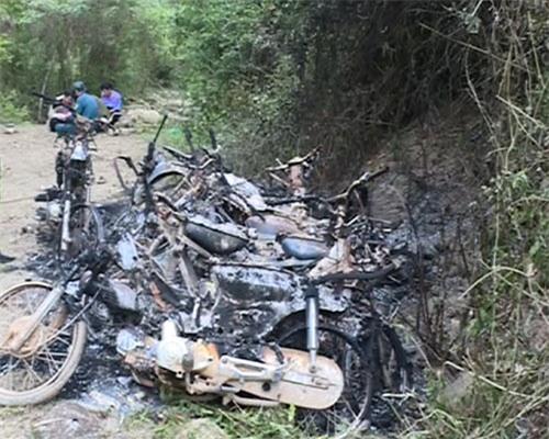 Đoàn kiểm tra rừng bị lâm tặc đốt 9 xe máy - 1