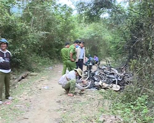 Đoàn kiểm tra rừng bị lâm tặc đốt 9 xe máy - 2