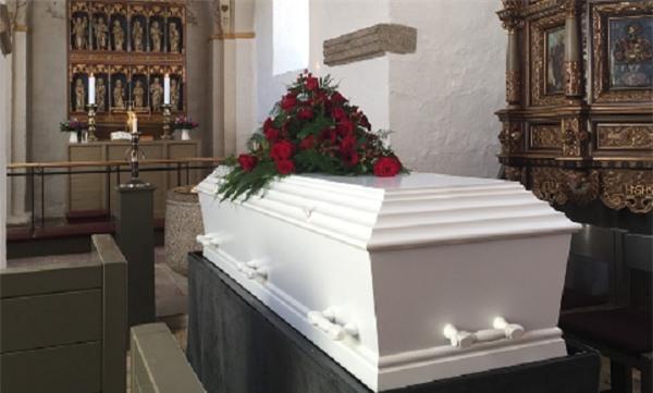 Mở quan tài nhìn mặt người chết lần cuối, gia đình phát hoảng nhận ra không phải người thân của mình - Ảnh 1.