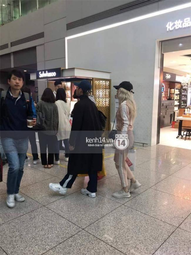 Sơn Tùng M-TP và Thiều Bảo Trâm bị bắt gặp tại sân bay Hàn Quốc - Ảnh 1.