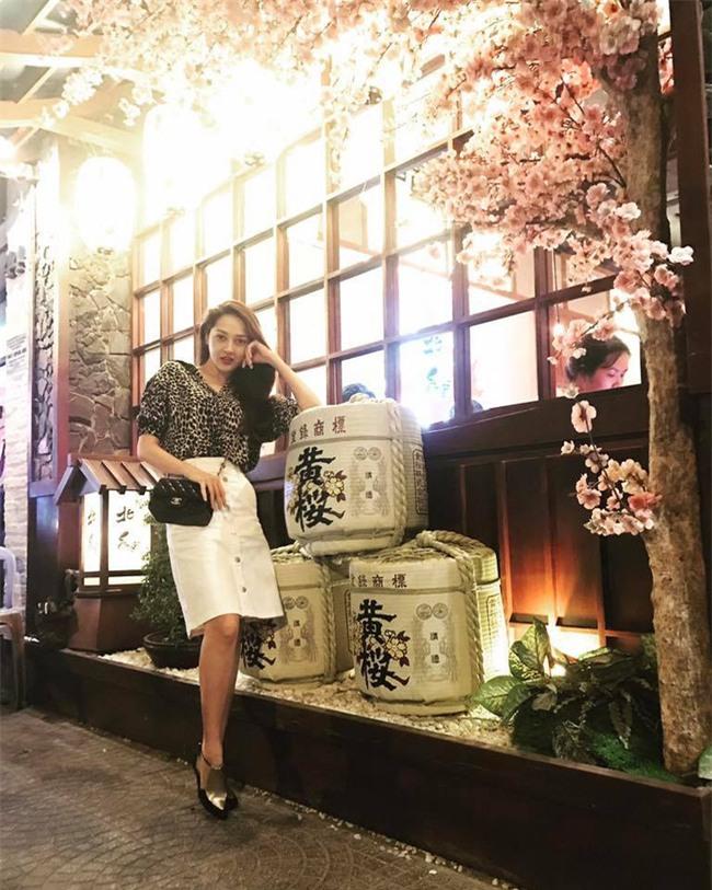 Điệu nhất street style sao Việt tuần này chắc chắn là Phạm Hương và Hà Hồ rồi! - Ảnh 12.