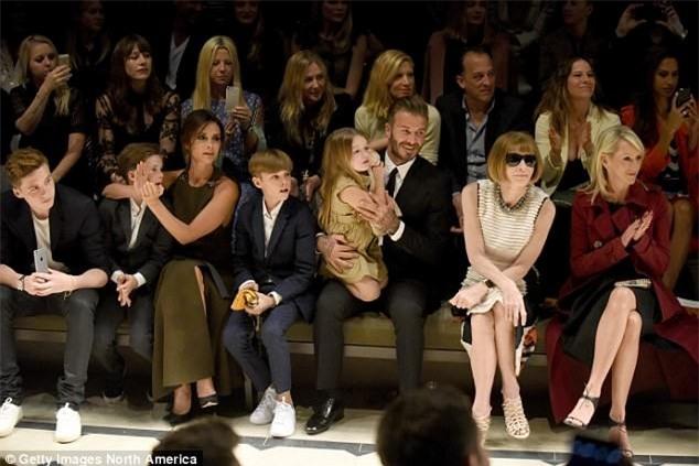 Con gai ut nha Beckham vui ve di lam dep voi bo hinh anh 6