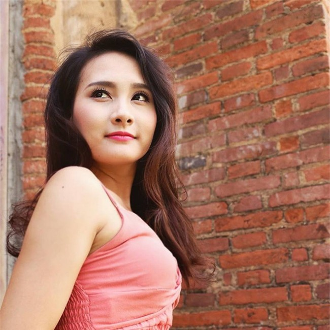 "nhan sac xinh nhu mong cua nguoi dep ""song chung voi me chong"" hinh anh 10"