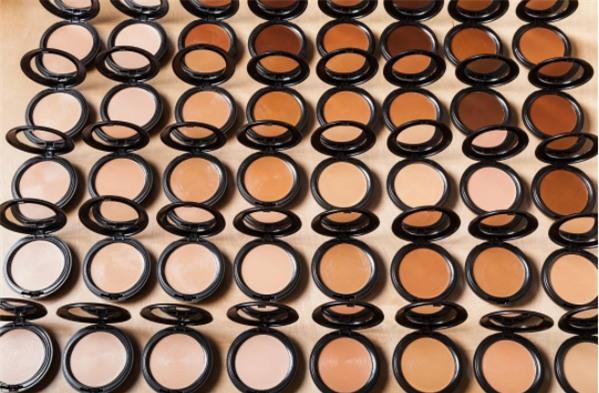 Khi gam màu nude phủ trọn từ thời trang đến trang điểm, là phái đẹp bạn không thể làm ngơ - Ảnh 12.